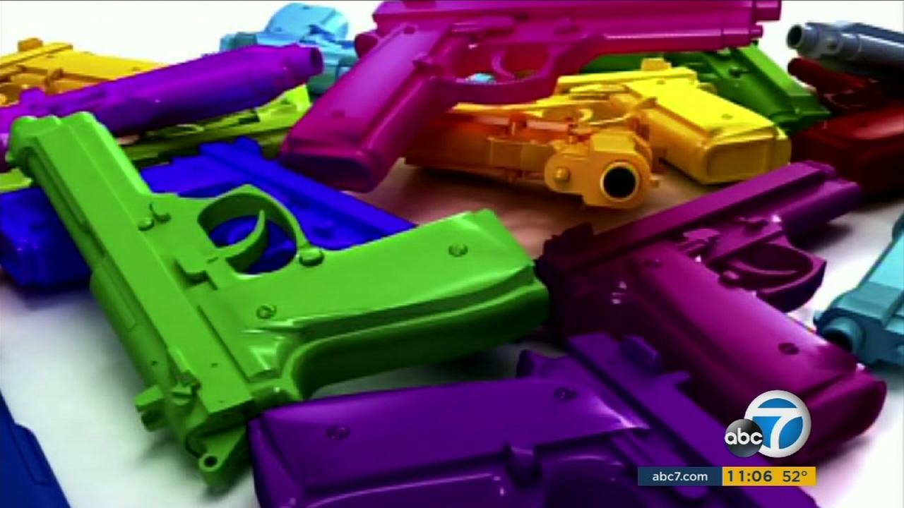 A new law in California requires that certain airsoft BB guns and pellet guns come with bright markings to distinguish them from real firearms.