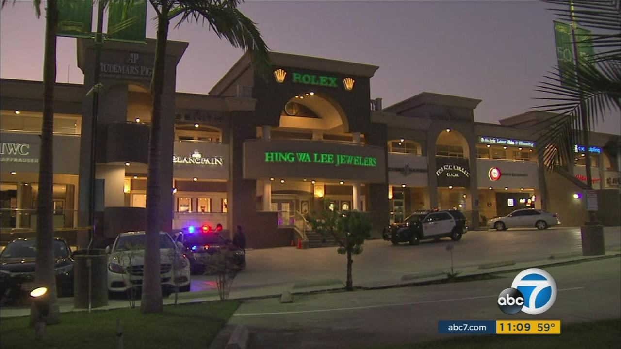 Armed robbers attempted to rob the Hing Wa Lee Jewelers in Rowland Heights and a shootout with the guards ensued, according to the Los Angeles County Sheriffs Department.