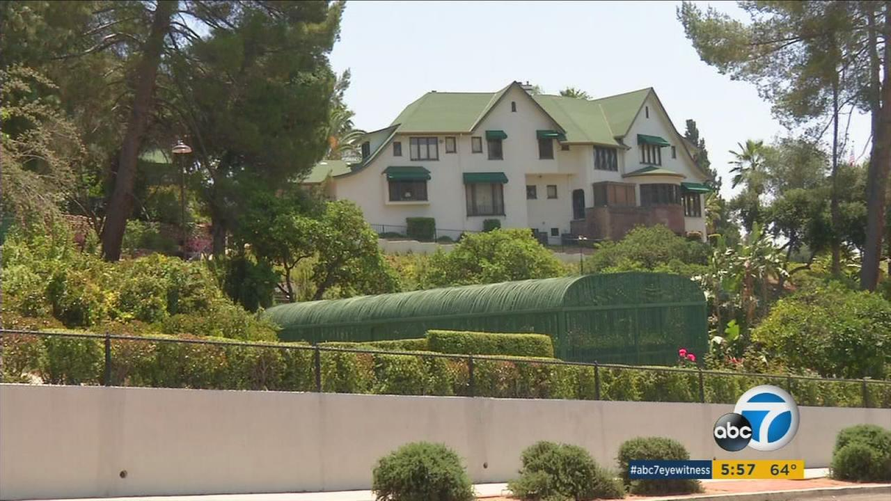 The potential sale of the Bekins-Lane mansion to the Archdiocese of Los Angeles has some Eagle Rock residents concerned.