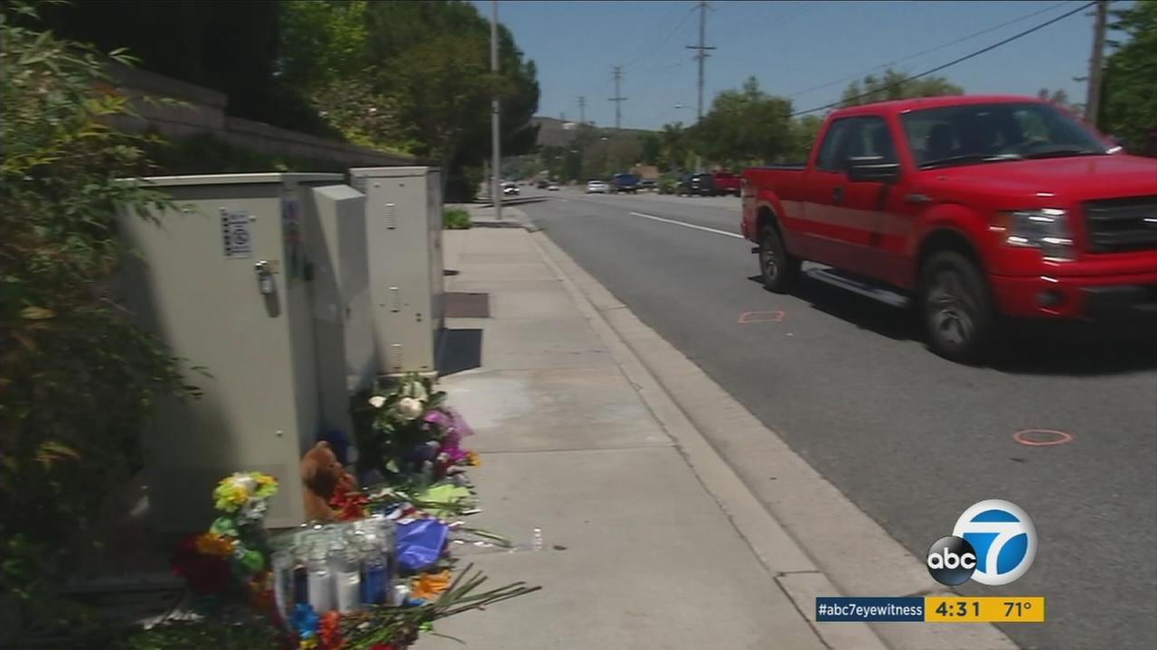 The community is offering support to the family of a Simi Valley 4th grader who died after falling in front of a car when playing with some classmates.