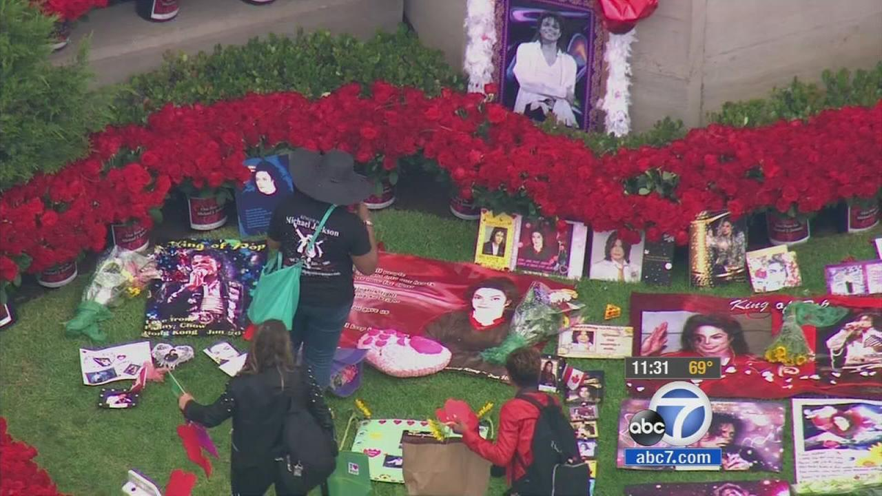 Fans gathered at Michael Jacksons final resting place at Forest Lawn Memorial Park-Glendale to mark his death anniversary on Wednesday, June 25, 2014.