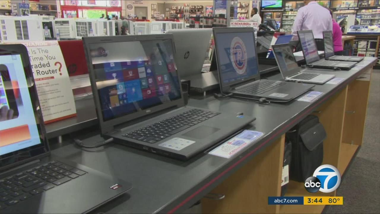 Report says that school requirements, price and size are the most important factors when considering laptop purchases for students.