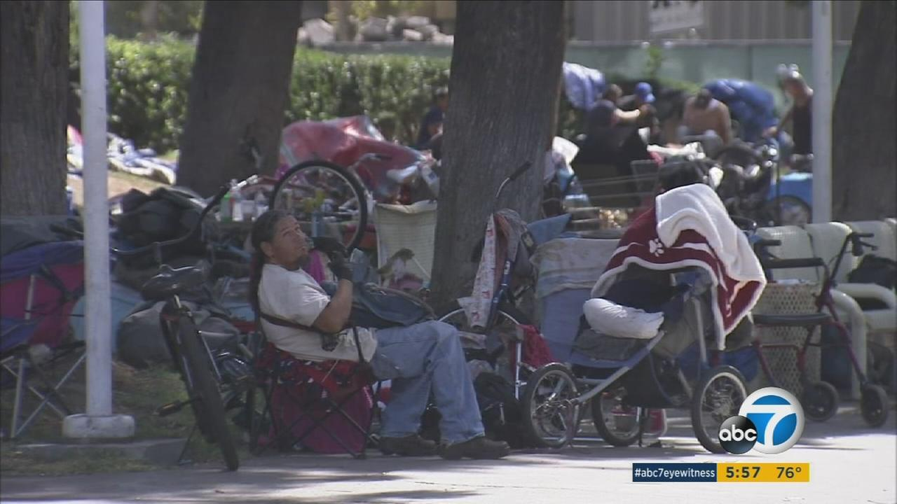 An Orange County public employees union is calling for a plan to reduce homelessness at the Santa Ana Civic Center, where more than 400 homeless people live.