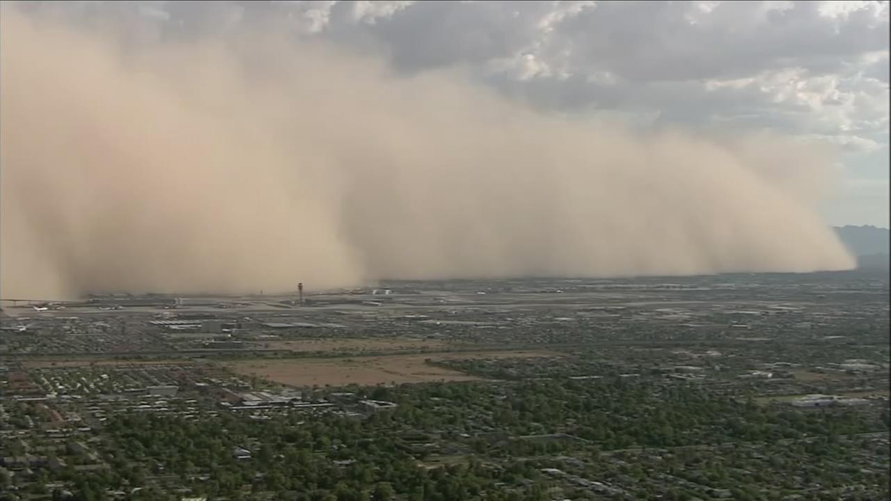 A massive haboob swept through Phoenix on Sunday, Aug. 21, 2016.