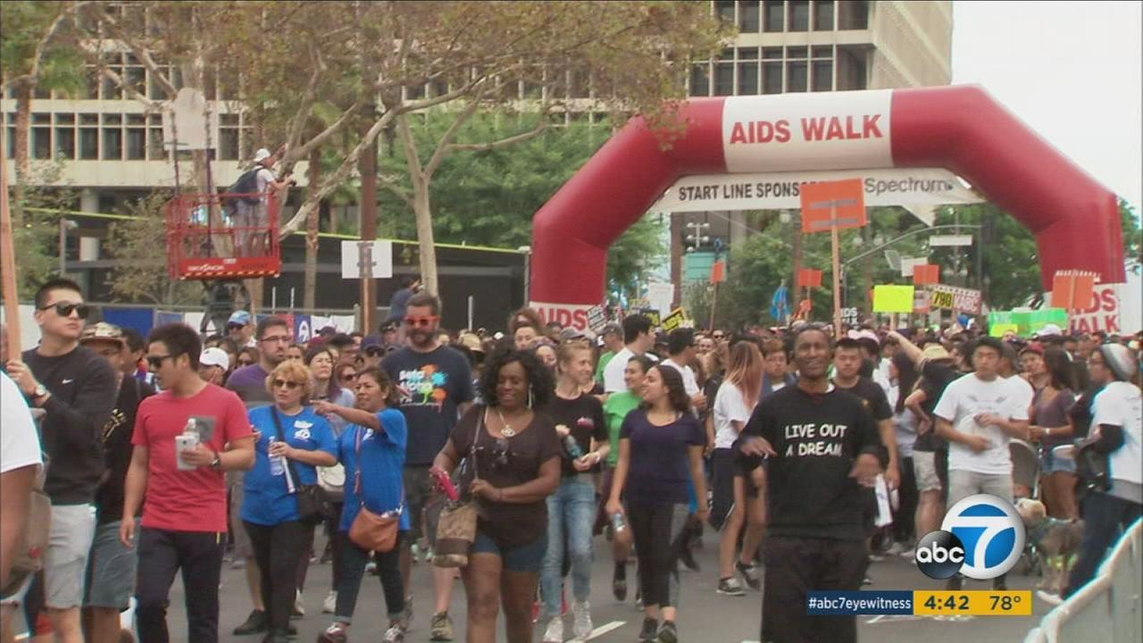A crowd participates in AIDS Walk Los Angeles on Sunday, Oct. 23, 206.