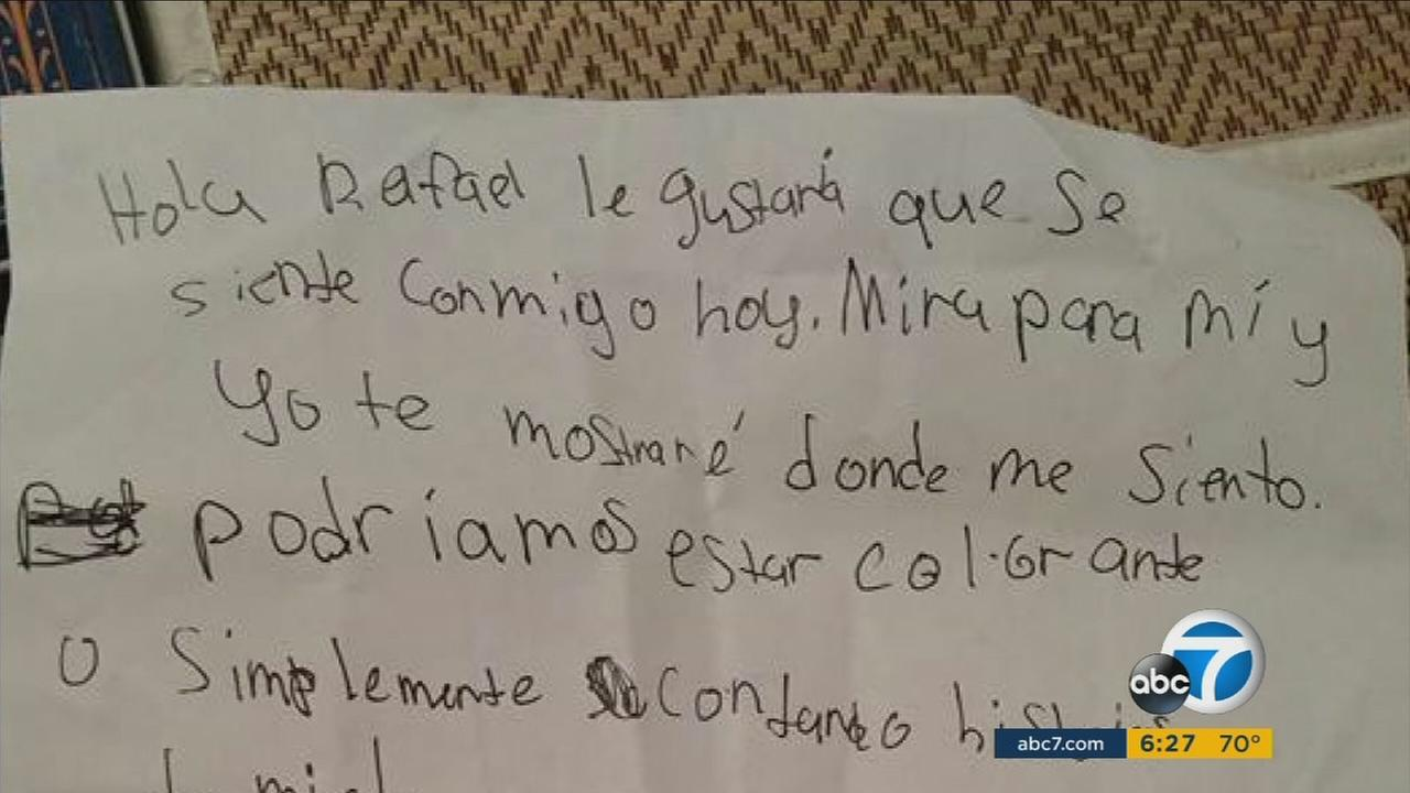 A 10-year-old Temecula girl doesnt speak Spanish, but that didnt stop her from reaching out to a new classmate who just moved to her school from Mexico.
