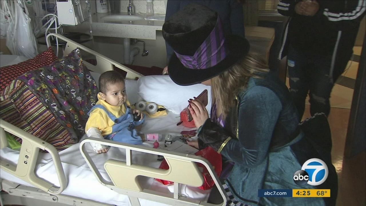 Singer Chiquis Rivera supported the patients of Childrens Hospital Los Angeles with Halloween gifts.