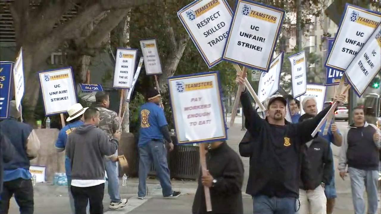 University of California workers strike outside University of California workers in Westwood on Wednesday, Nov. 16, 2016.