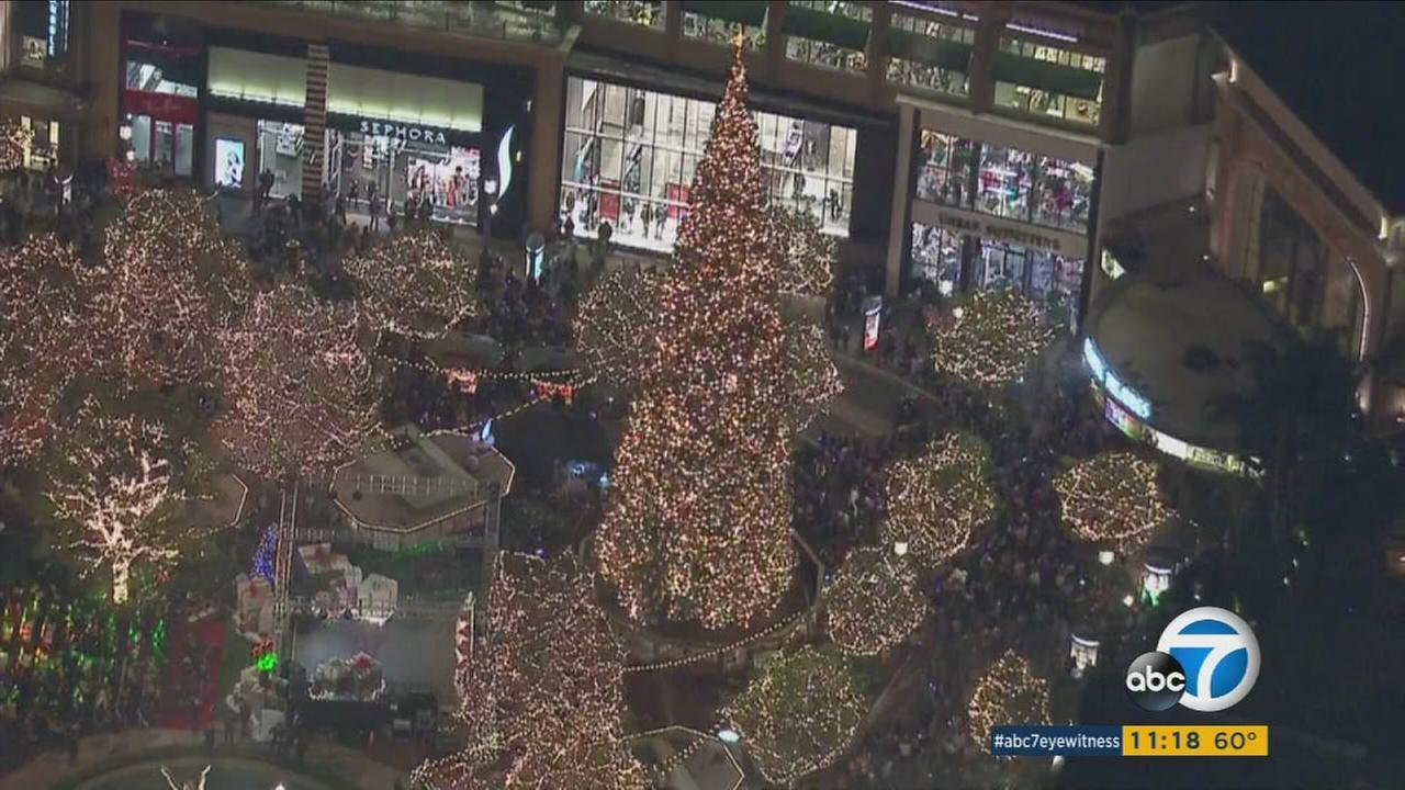 The Americana at Brand held its annual tree lighting ceremony in Glendale on Thursday, Nov. 18, 2016.