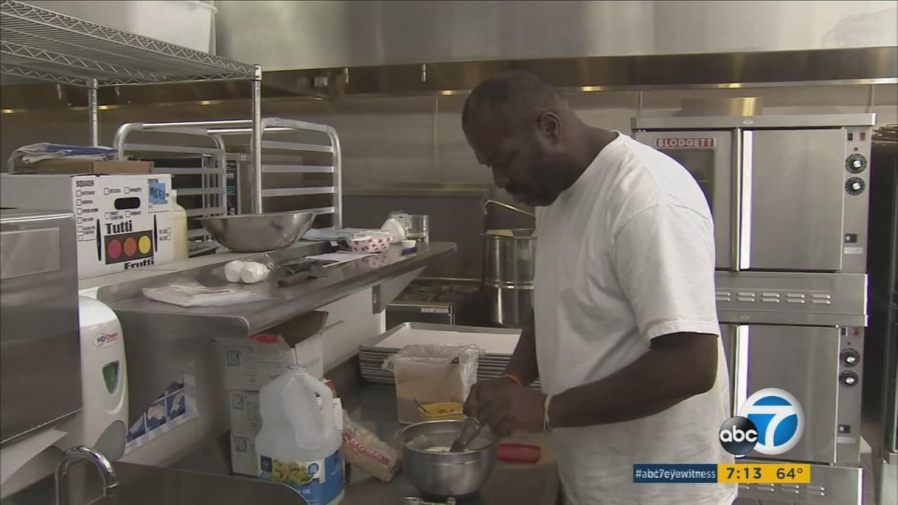 Jason Mercado, a formerly homeless man from Philadelphia, began a new life as a baker in Santa Ana and has decided to give back to the community.