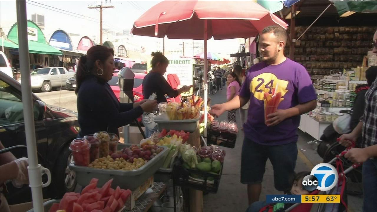 street vendors For several years, the organizations that are part of our campaign have been meeting with thousands of street vendors, small businesses, and residents, to come up with a proposal to create a permit system for sidewalk vendors in los angeles.