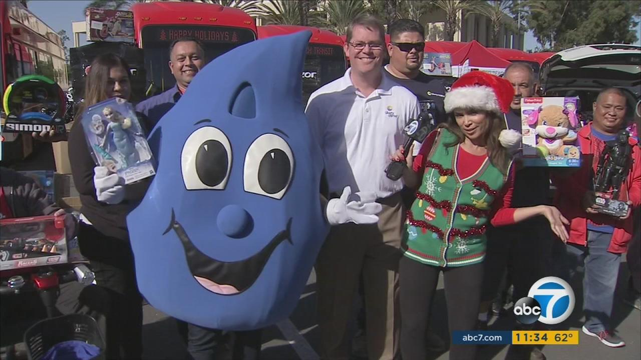 ABC7 teamed up with Liberty Utilities, Cavalia, Subaru, and Vintage Bombs car club in Cerritos for the annual Spark of Love Toy Drive.