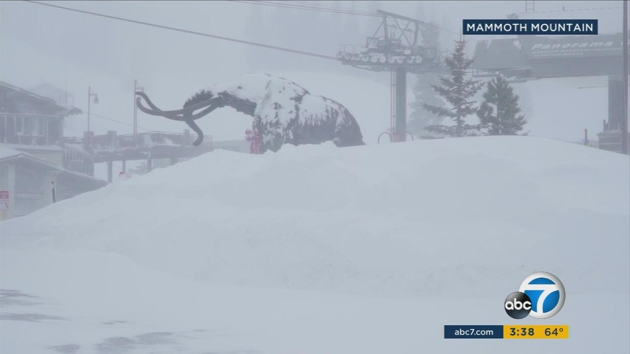 Mammoth Mountain received nearly 4 feet of snow within the past 48 hours, causing significant motor difficulties for vacationers.