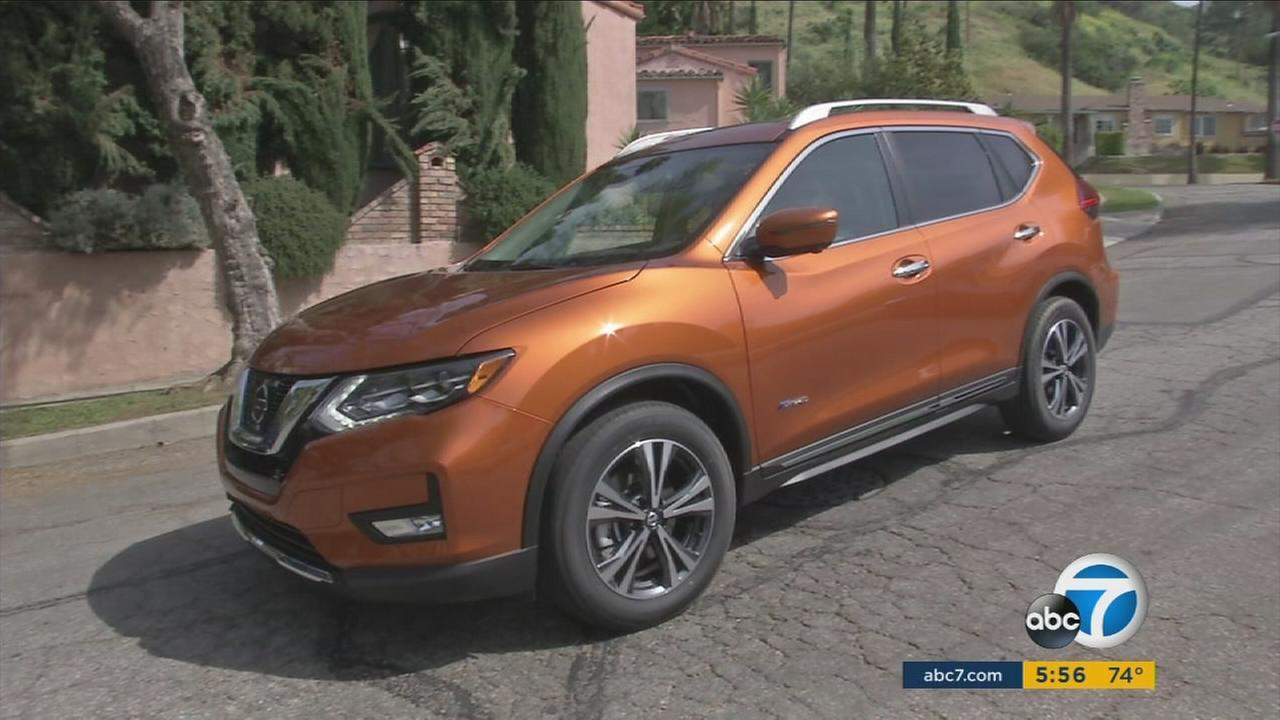 Nissan is now offering a hybrid version of its Rogue.