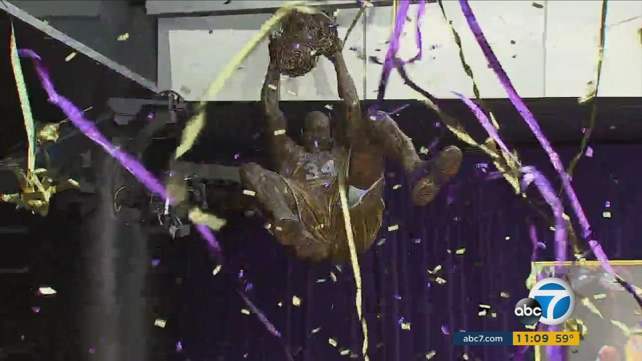 A 9-foot, 1,200-pound bronze statue of Laker great Shaquille ONeal was unveiled in the front of Staples Center Friday.