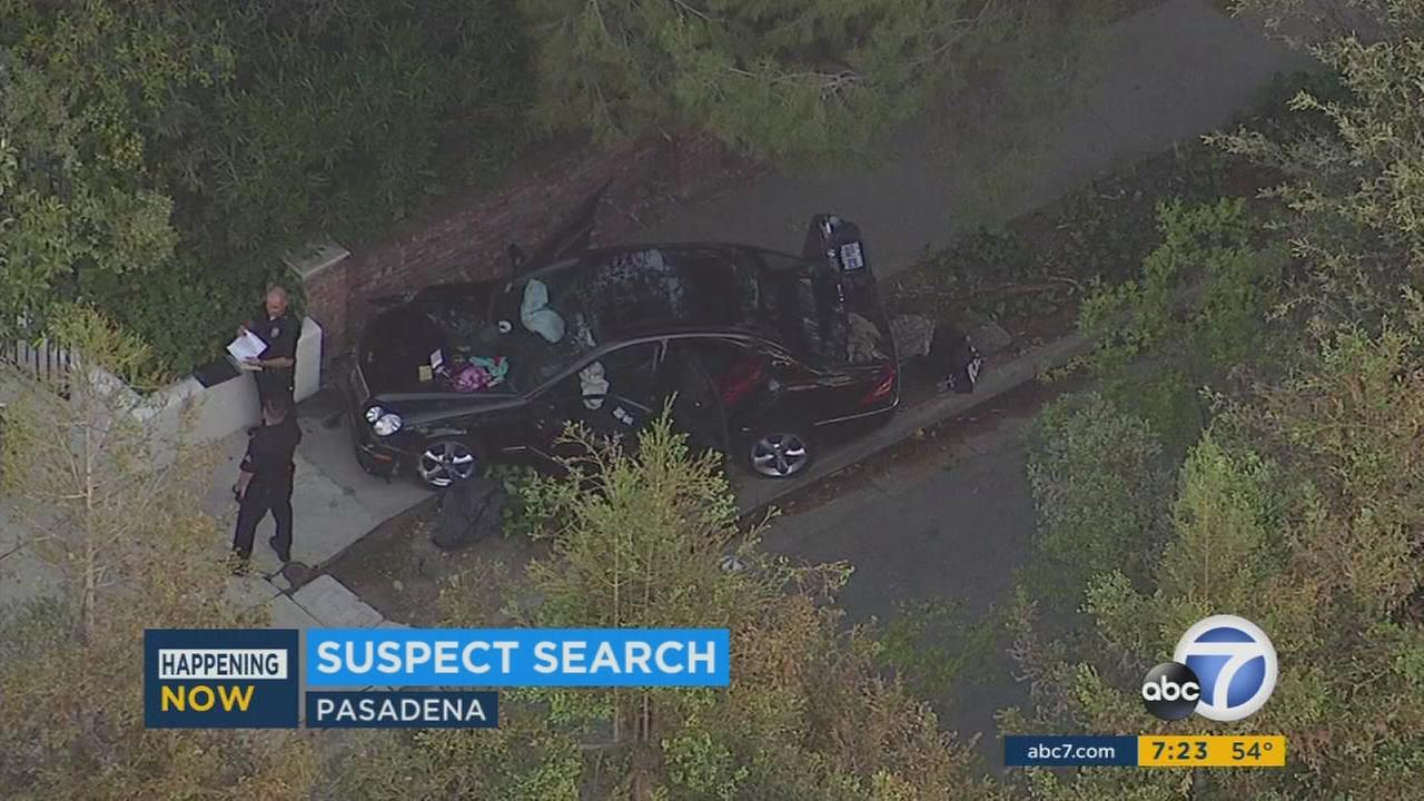 Suspect at large after stolen car chase ends in crash in Pasadena