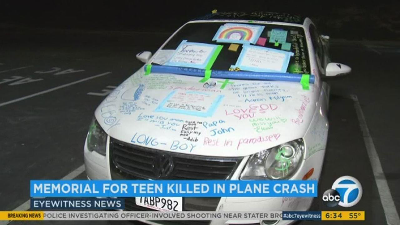 A Thousand Oaks high school students car has become an impromptu memorial after he and his parents were killed in a plane cras