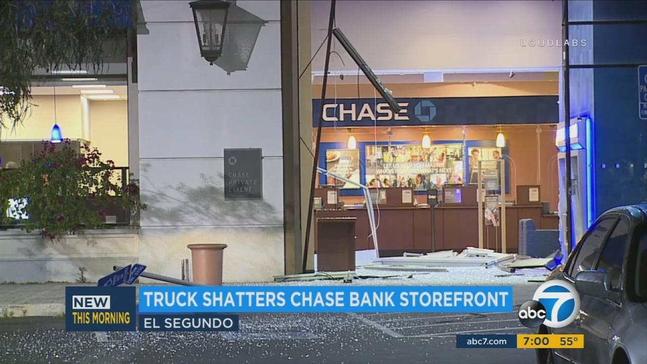 Burglary suspects use truck to break into El Segundo bank