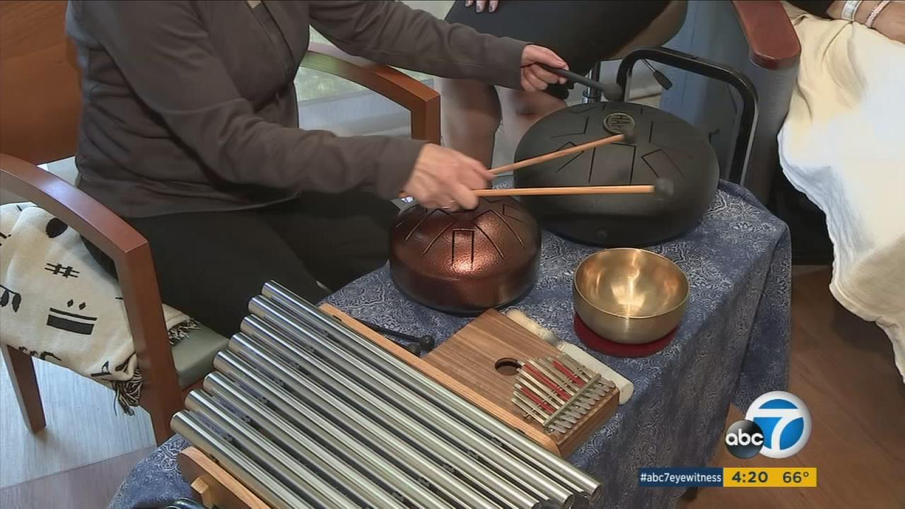 Musician uses talent as therapy for LA cancer patients