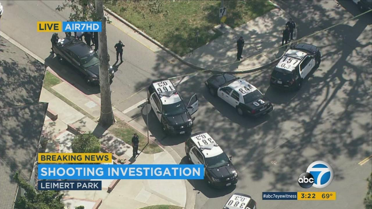 LAPD searching for suspects after man shot, killed in Leimert Park
