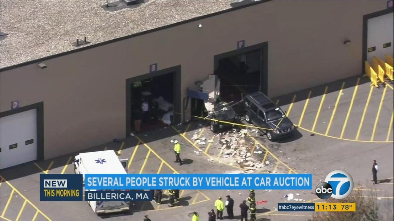 3 dead, 9 injured in Massachusetts auto auction crash