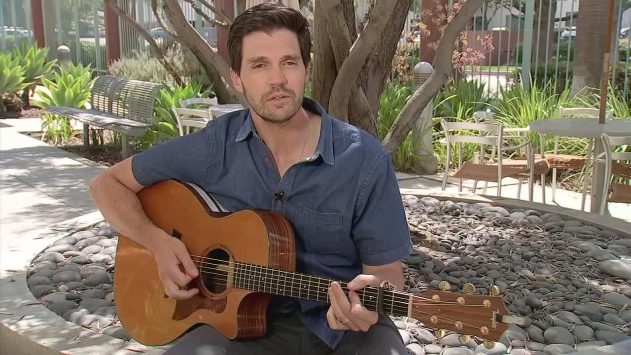 Former MLB pitcher Barry Zito performs his song Home.