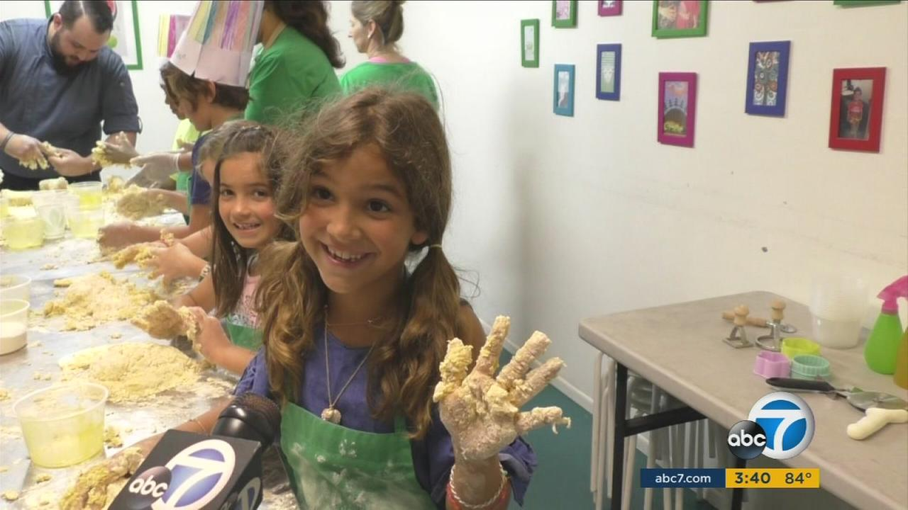 Organic Kids LA whipped up a kids cooking class camp complete with knife skills and kitchen safety.