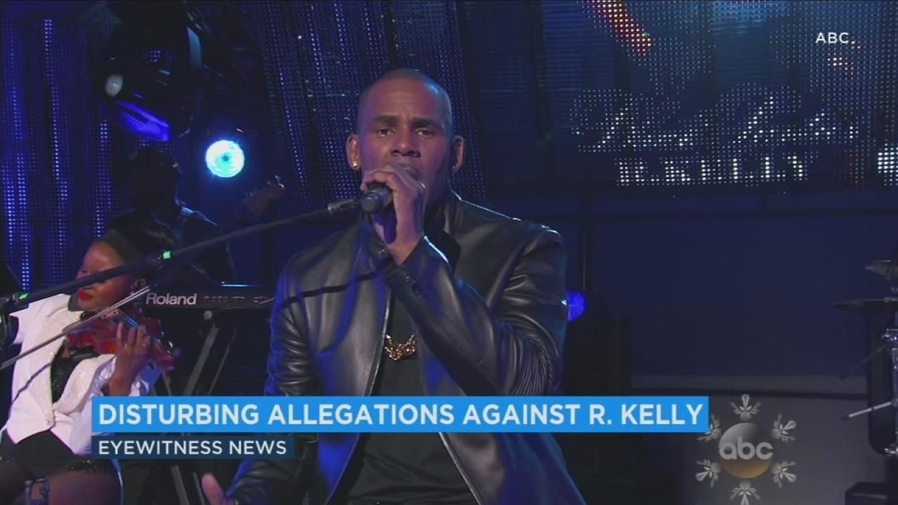 The parents of several women are accusing singer R. Kelly of holding women against their will, according to a report from BuzzFeed.