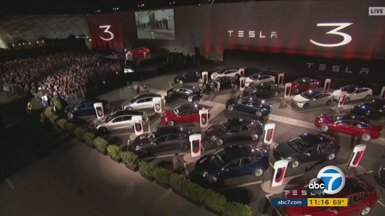 Tesla founder Elon Musk stepped out to cheers and applause as he unveiled the brand new Model 3, the companys affordable vehicle.