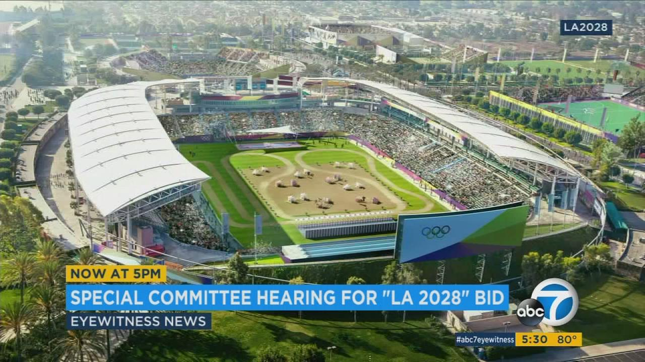 A key City Council committee expressed support Friday for Los Angeles to host the 2028 Summer Olympics, instead of the 2024 games that the city had originally sought.