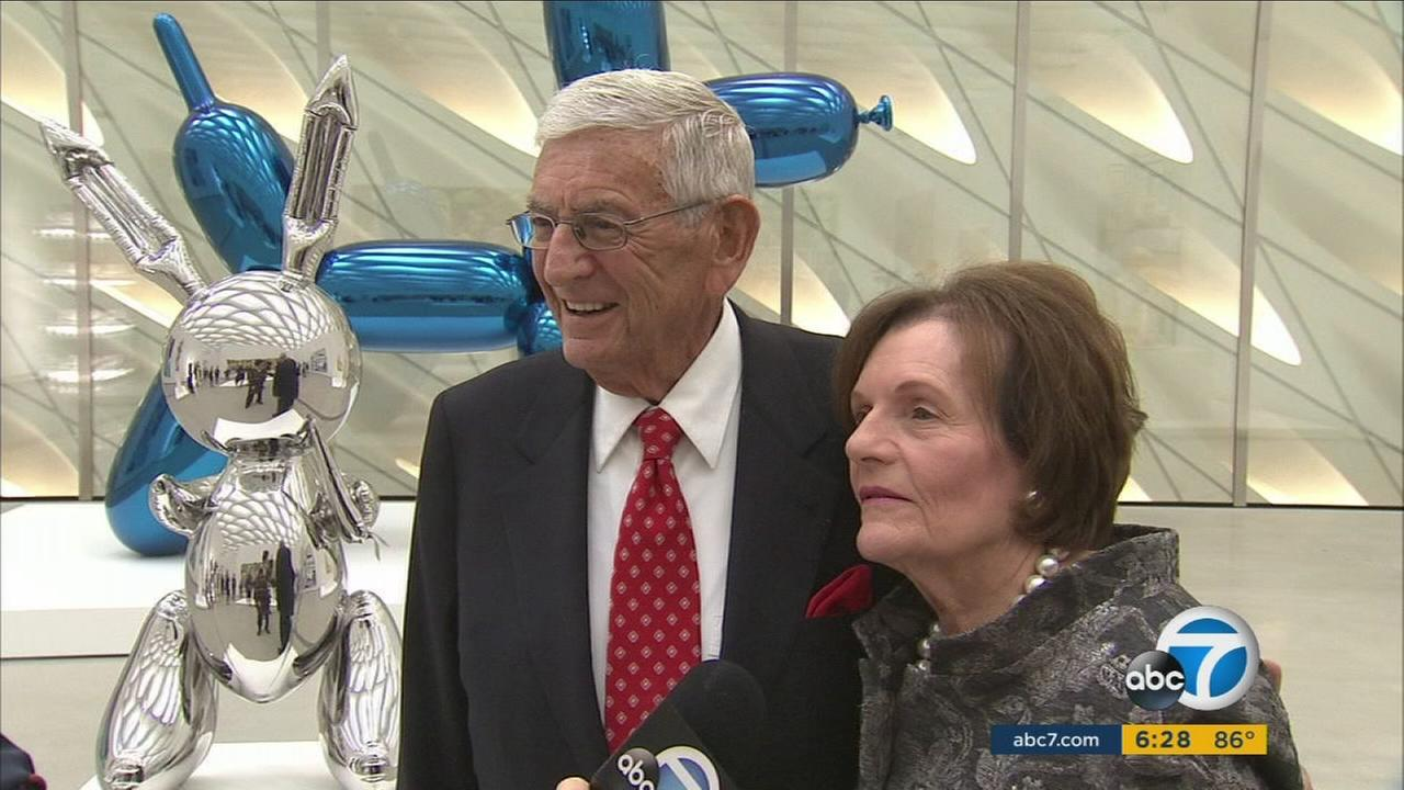 Philanthropist Eli Broad steps down from his billion-dollar foundation