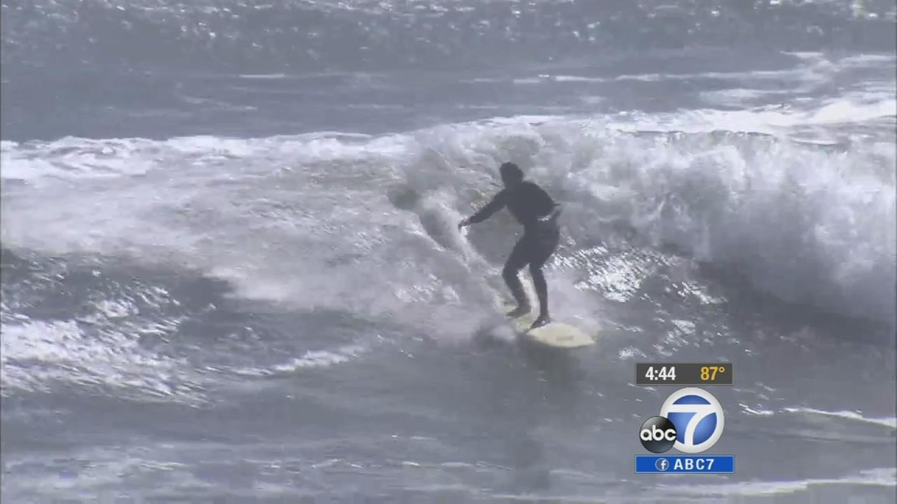 San Pedros Cabrillo Beach sees 15-foot-plus waves