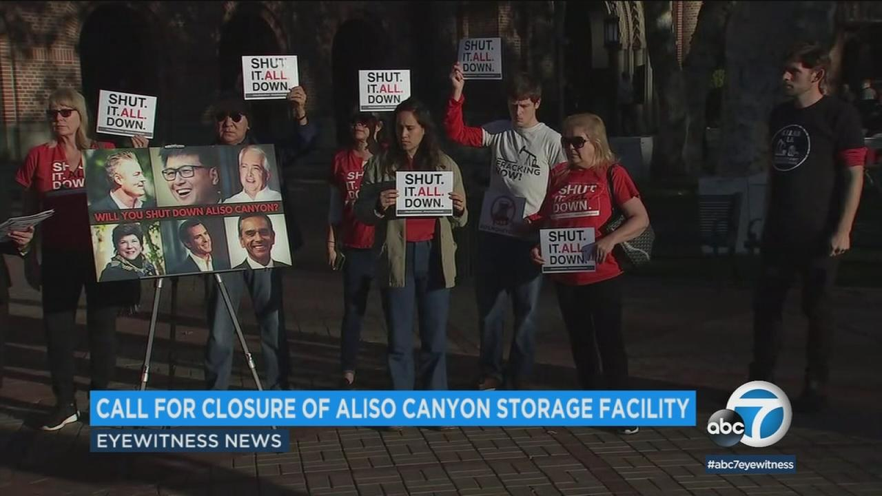 Protesters outside the gubernatorial town hall at USC on Saturday, Jan. 13, 2018, to fight for the closure of the Aliso Canyon Storage Facility in Porter Ranch.