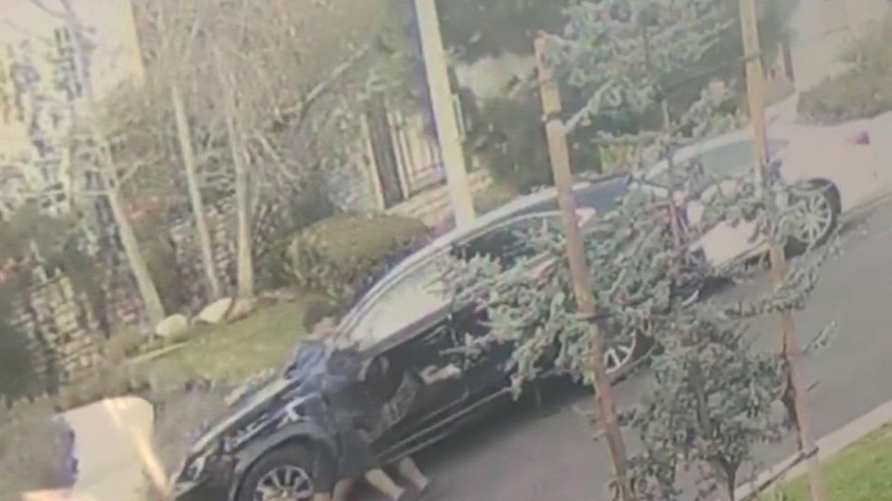 New video surfaced Thursday of an armed man leaving the scene of an attempted robbery in Santa Monica. The man claimed he had an explosive device.