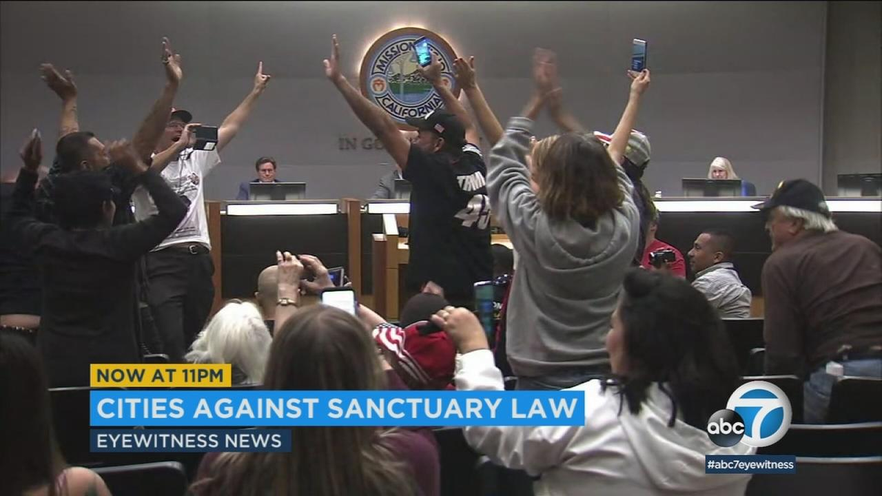 The Mission Viejo City Council approved a resolution in support of Los Alamitos, whose own council recently voted to exempt that city from Californias sanctuary state law.