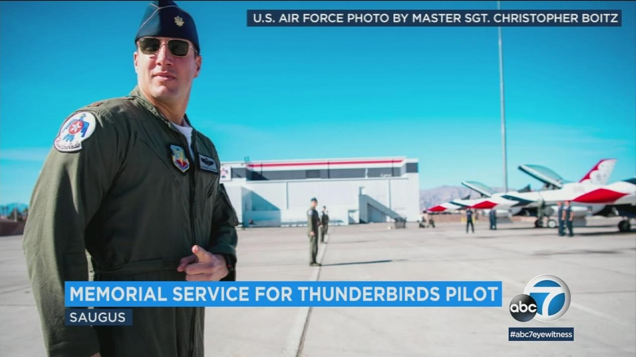 Thunderbirds pilot Maj. Stephen Del Bagno, who died in a crash, was honored at his alma mater, Saugus High School, on Sunday.