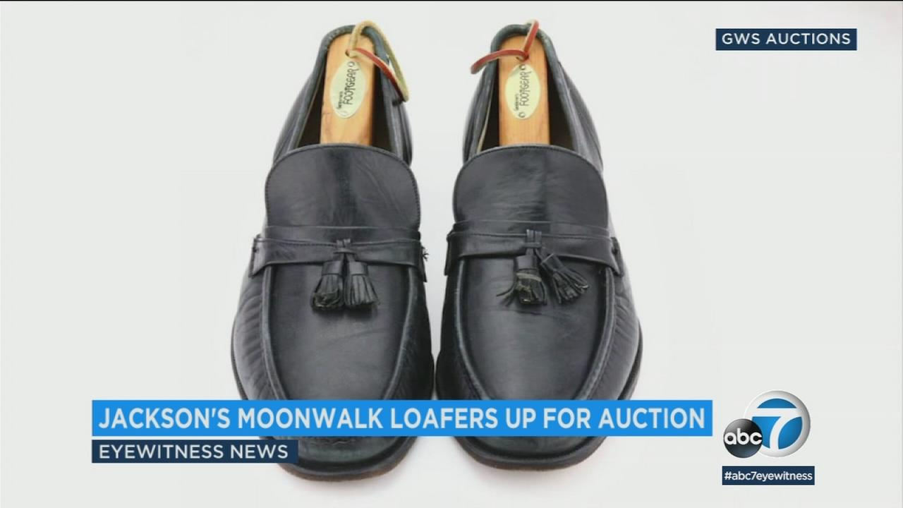The shoes worn by Michael Jackson when he first moonwalked in public are going up for auction next month.