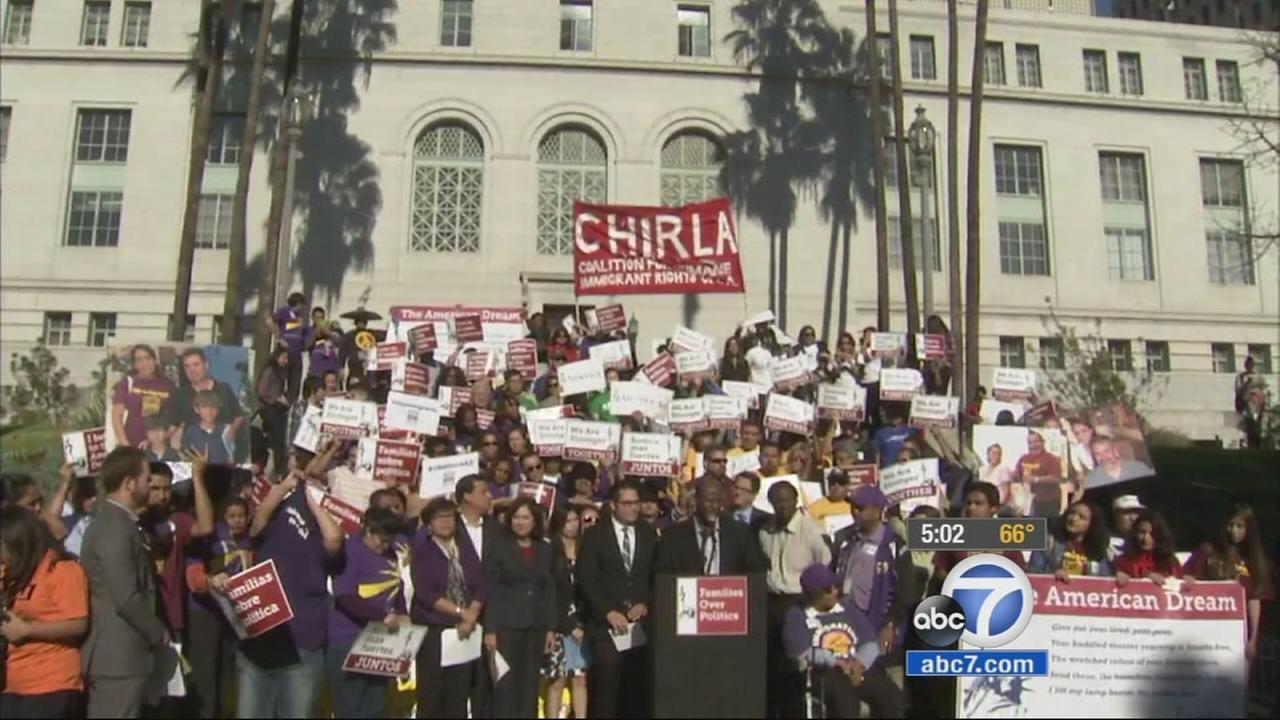 112114-kabc-5pm-immigration-rally-vid