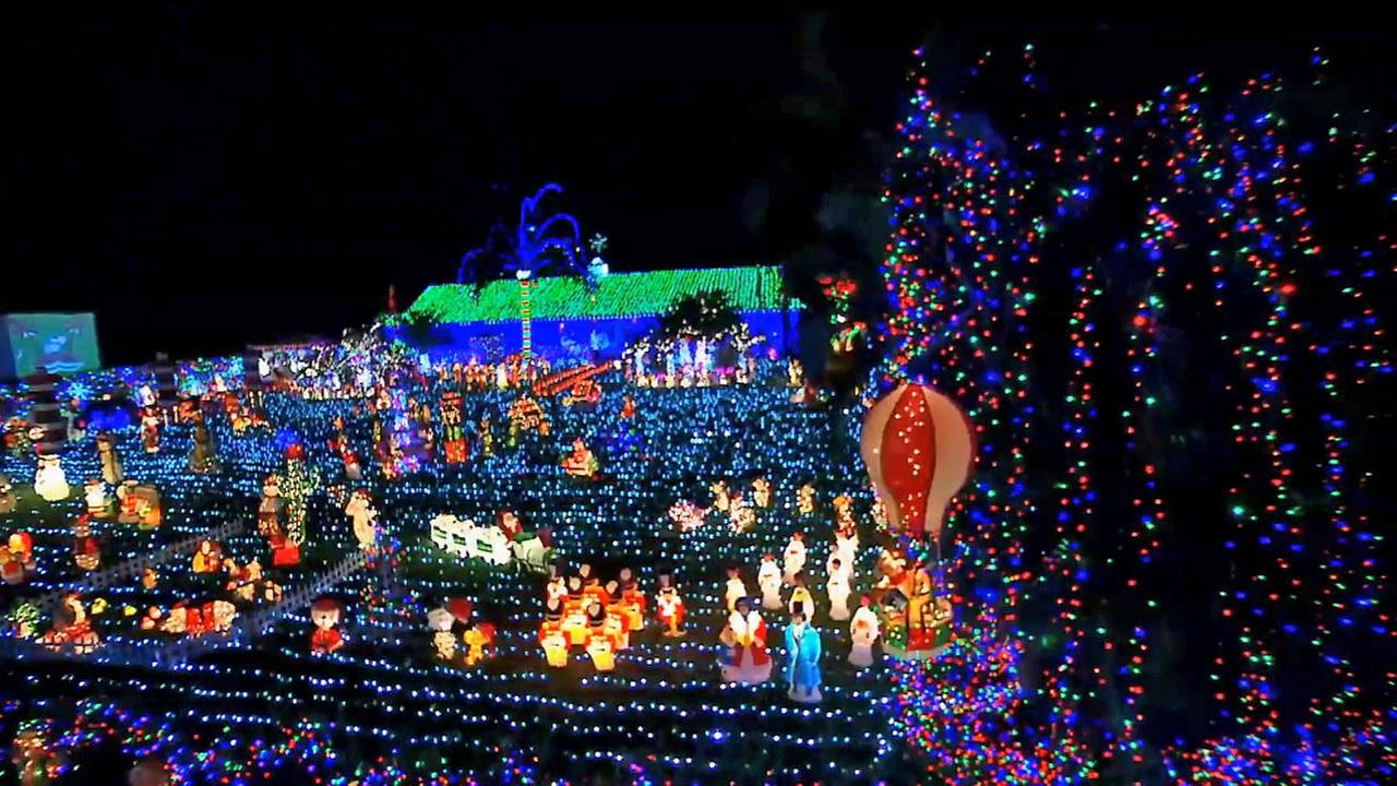 Great Christmas Gifts For Boyfriend: 'Great Christmas Light Fight' Returns For More Holiday