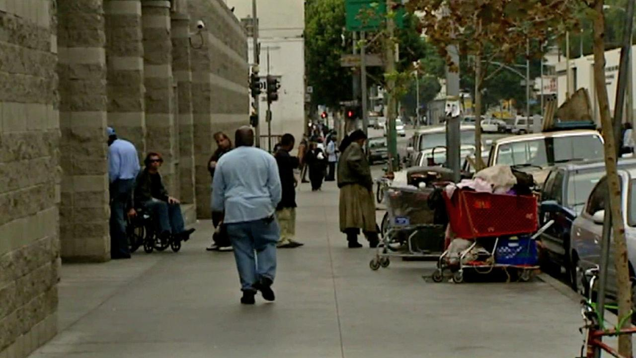 Federal officials announced Wednesday that the west Los Angeles Veterans Affairs campus will be redeveloped to better help homeless veterans.
