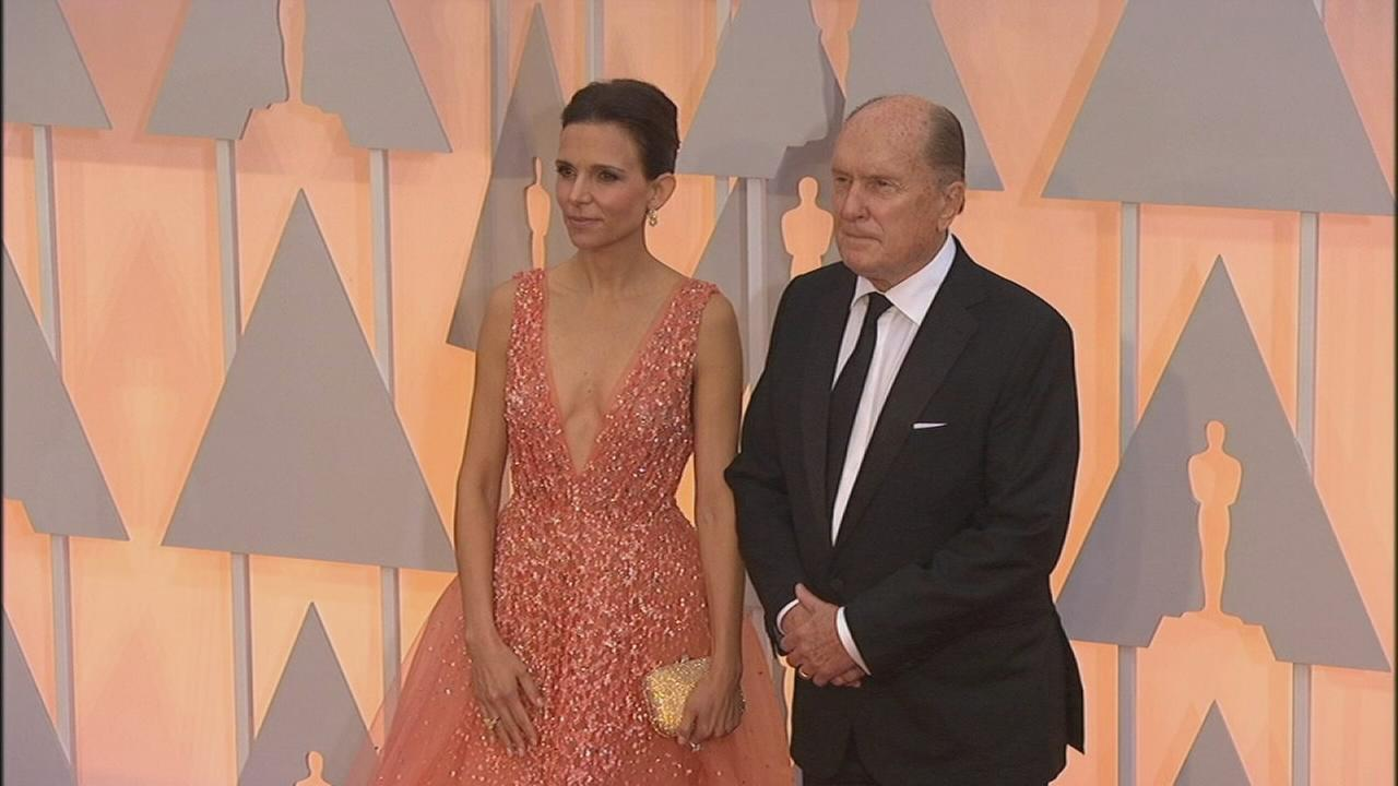 Robert Duvall Wife Pose On The Red Carpet Abc7chicago Com