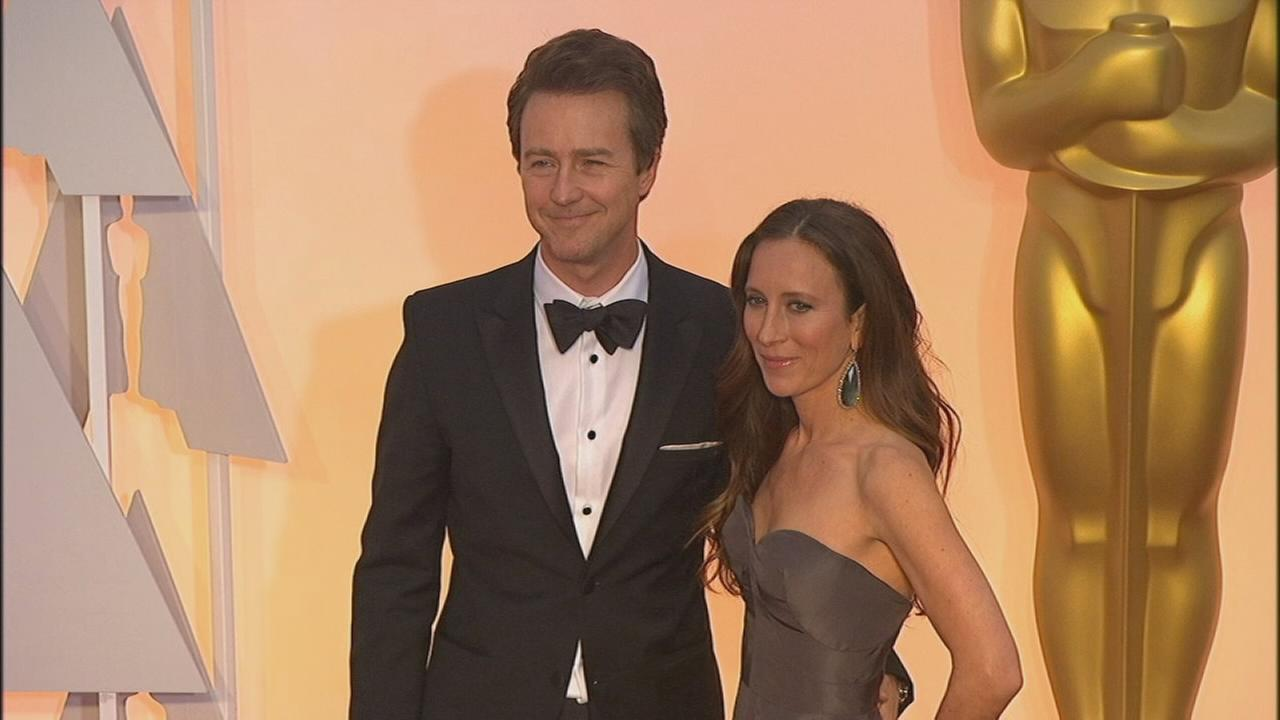 Edward Norton, wife po...