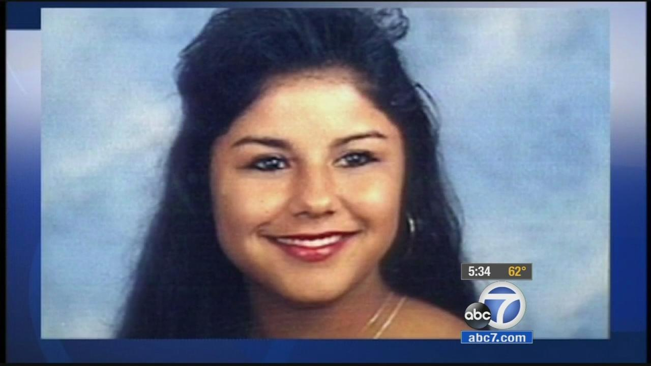 Closing arguments got underway in the trial of a man accused of fatally stabbing a Cal State Fullerton student 20 years ago.
