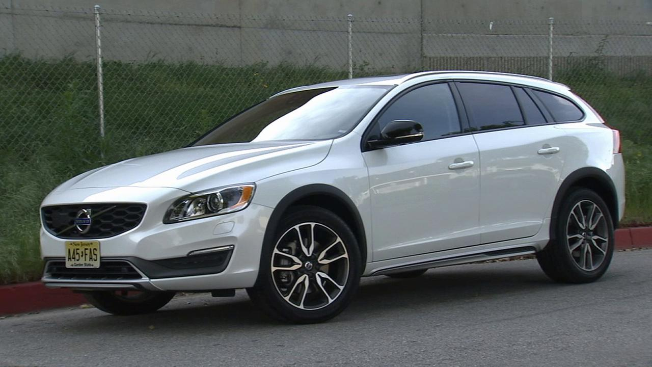 Volvo V60 Cross Country bridges SUV, station wagon gap | abc7.com