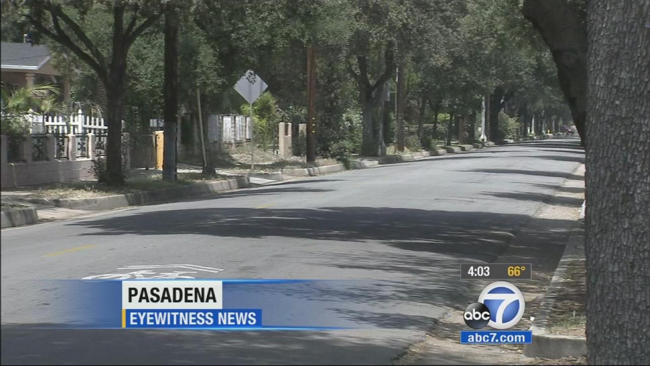 Pasadena police are searching for a suspect who attempted to kidnap a woman Friday night.