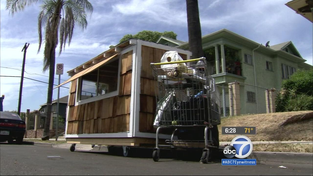 A miniature house was built by a Jefferson Park man for a well-known homeless woman in the neighborhood.