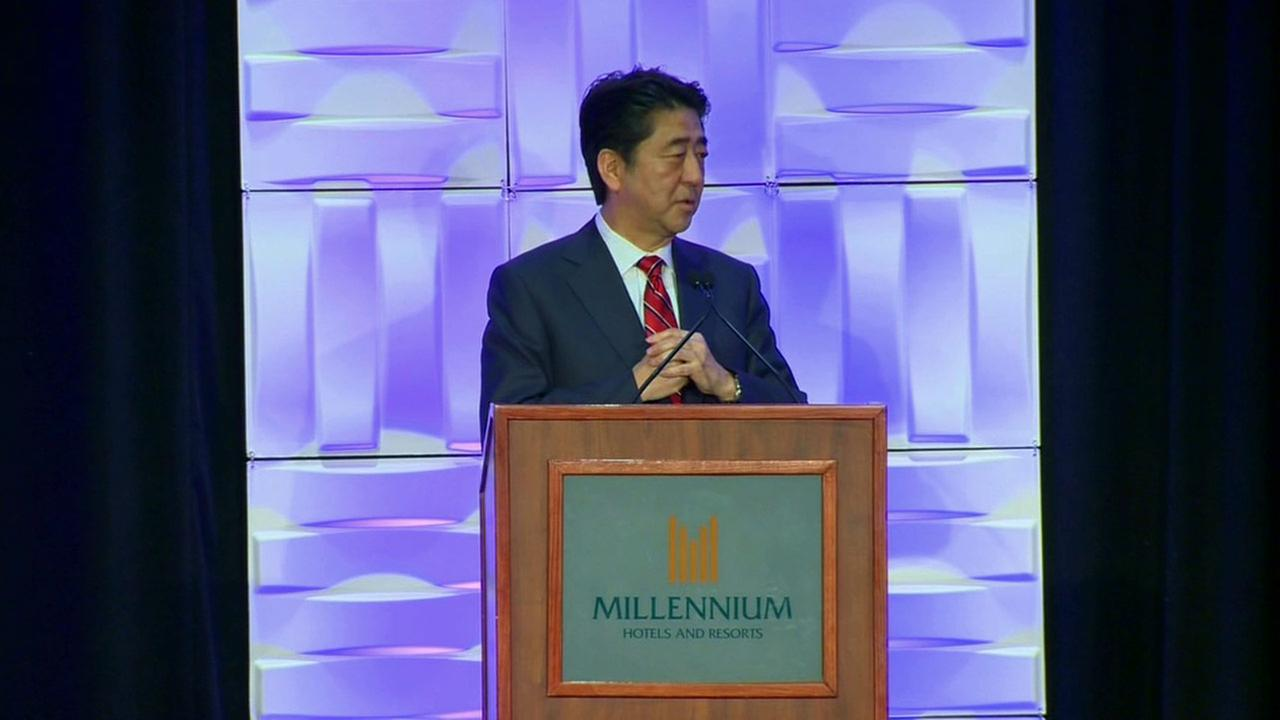 Japanese Prime Minister Shinzo Abe visits Los Angeles to strengthen economic ties.