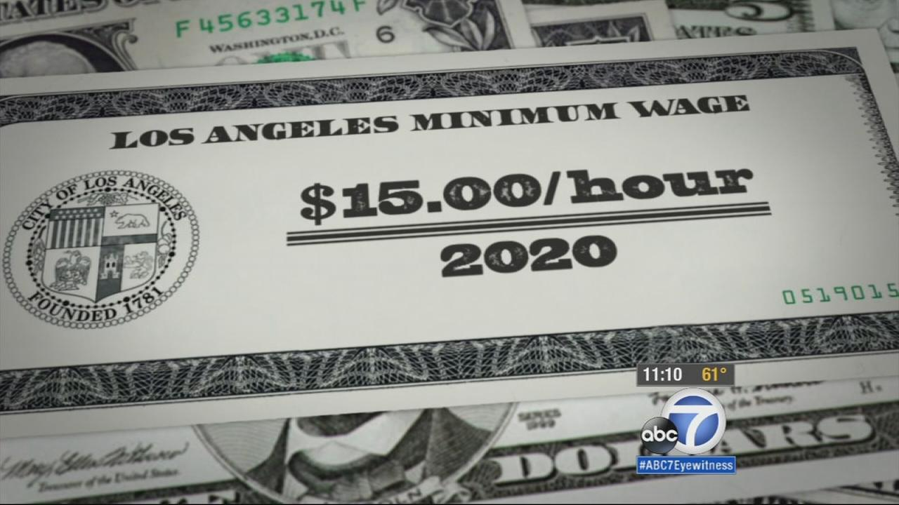 The Los Angeles City Council has voted in favor of raising the minimum wage over the next five years to reach $15 an hour by 2020 for larger employers.
