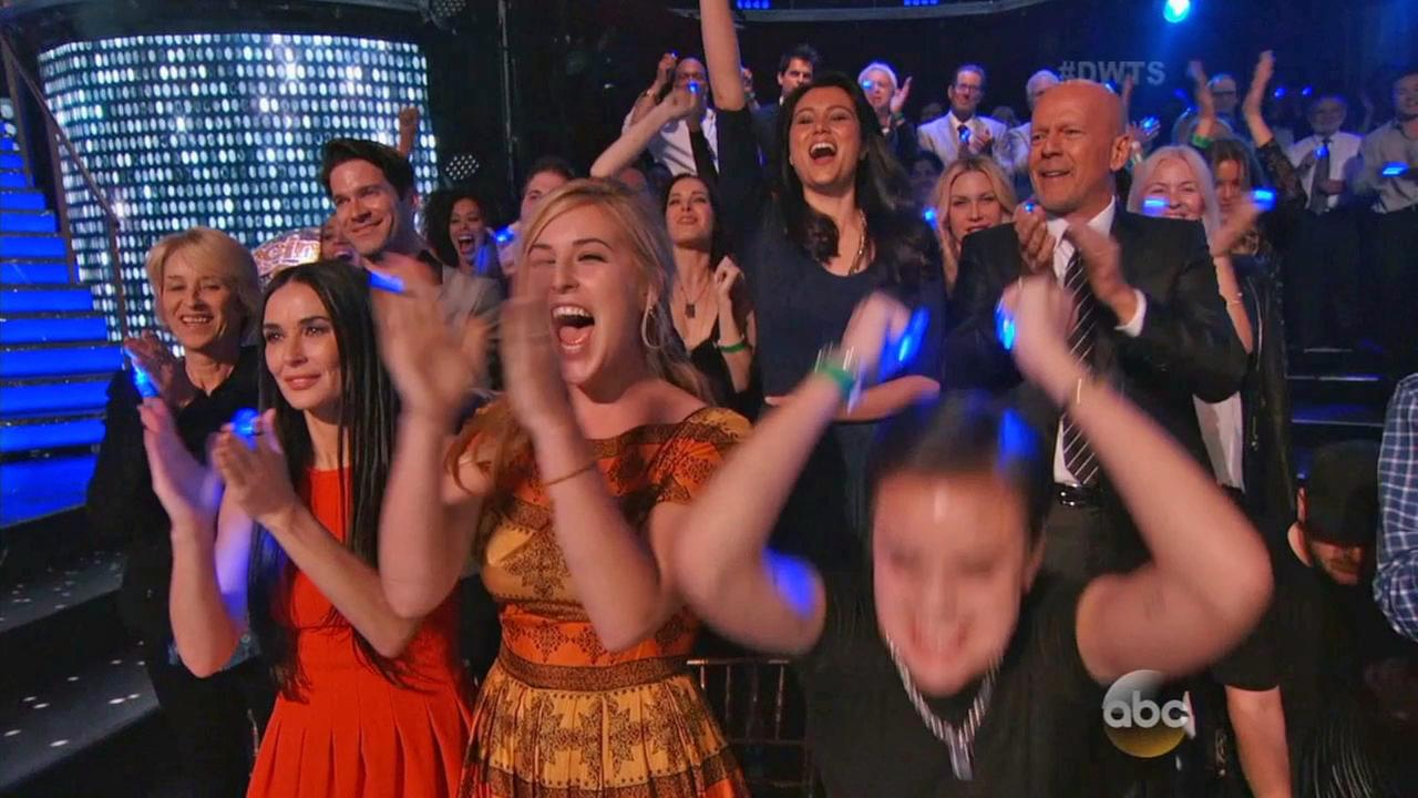 Rumer Willis family reacts to the Dancing With The Stars season finale.