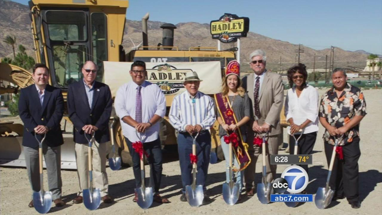 A roadside institution along the 10 Freeway that dates back to 1951 is getting a facelift.